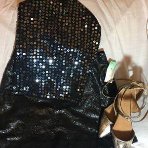 Black mini sequence skirt